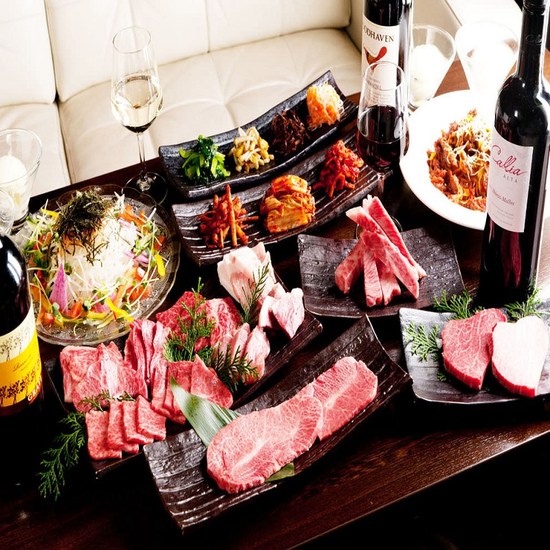 渋谷の焼肉店【渋谷神宮前 YAKINIKU ZENIBA】でA5ランク雌牛をコースで